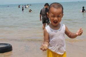 Salman di pantai (Batam)